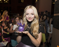 Book Dove Cameron for your next corporate event, function, or private party.