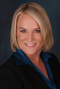 Book Kelly McDonald for your next corporate event, function, or private party.