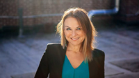 Book Esther Perel for your next corporate event, function, or private party.