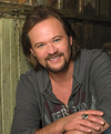 Book Travis Tritt for your next corporate event, function, or private party.