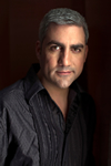 Book Taylor Hicks for your next event.