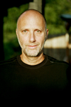 Book Yossi Ghinsberg for your next event.