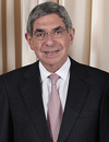 Book Oscar Arias for your next event.