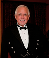 Book Dan Pena for your next event.